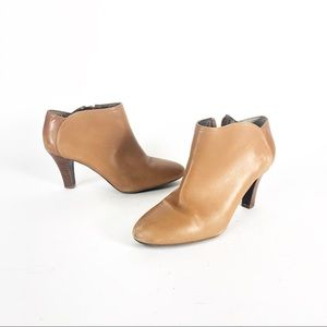 Banana Republic heeled leather booties boots tan